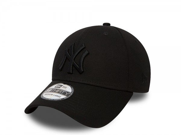 New Era New York Yankees League Basic Black on Black Stretch Fit 39Thirty Cap