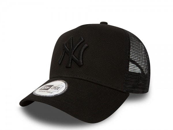New Era New York Yankees All Black Trucker Snapback Cap
