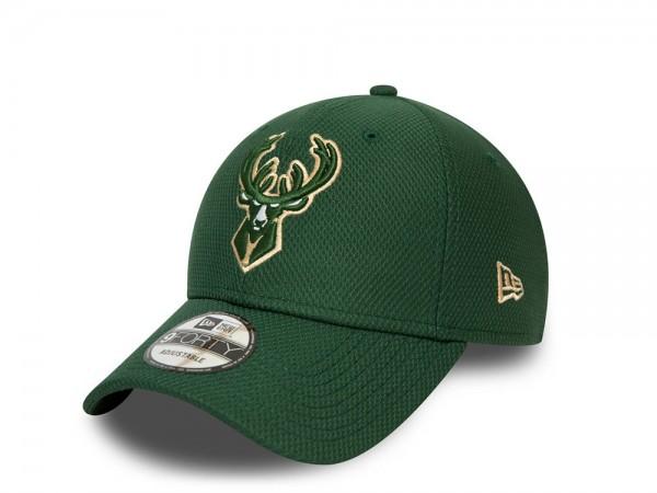 New Era Milwaukee Bucks Diamond Era Essential 9Forty Strapback Cap