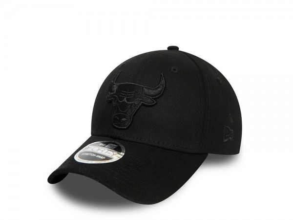 New Era Chicago Bulls All Black 9Forty Stretch Snapback Cap